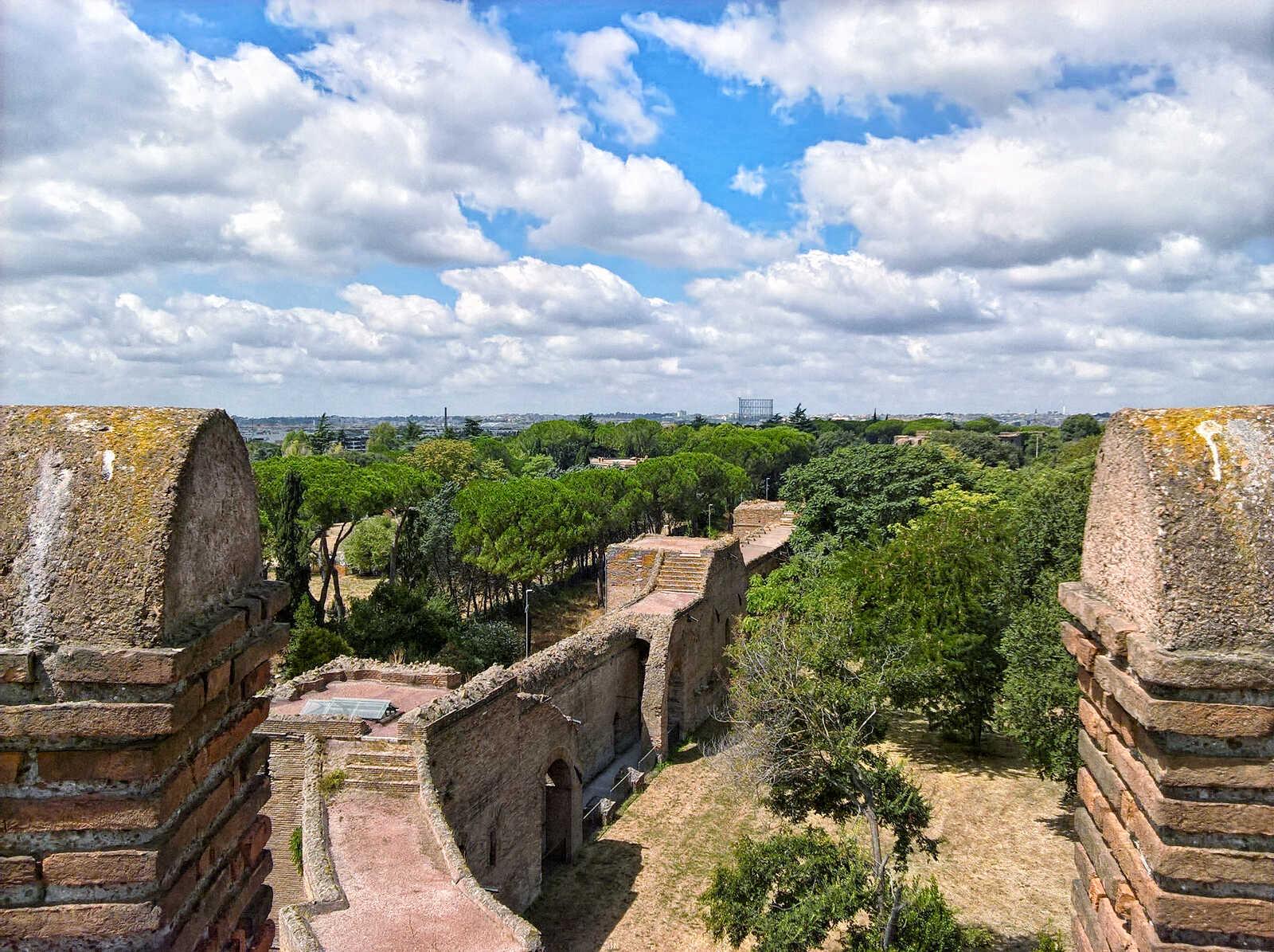 Aurelian Walls with distant Gazometro
